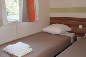 POUR VOUS LES PRO  Mobil-Home d'occasion  IRM Super Mercure Riviera 3 chambres