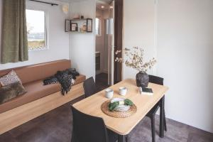 Mobil-Home neuf collection 2021,de la marque LOUISIANE, gamme ALL KOMPACT, 27-2-IO